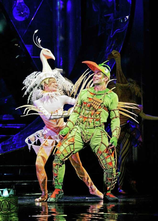 Photo by Ken Howard, Metropolitan Opera Nathan Gunn as Papageno with dancer Rachel Schuette in Mozartís ìDie Zauberflˆte.î Photo: Journal Register Co. / © 2006 ken howard •all rights reserved