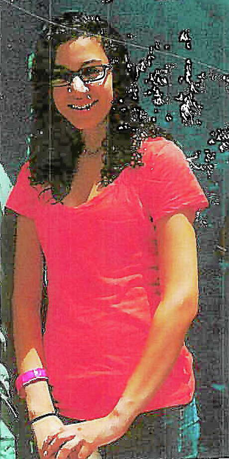 Mona Mahmoud, 16, of Cromwell, was last seen Wednesday at 6 p.m. Photo: Submitted Photo