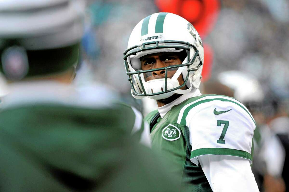 Quarterback Geno Smith will get another start for the Jets despite being benched during last week's game.
