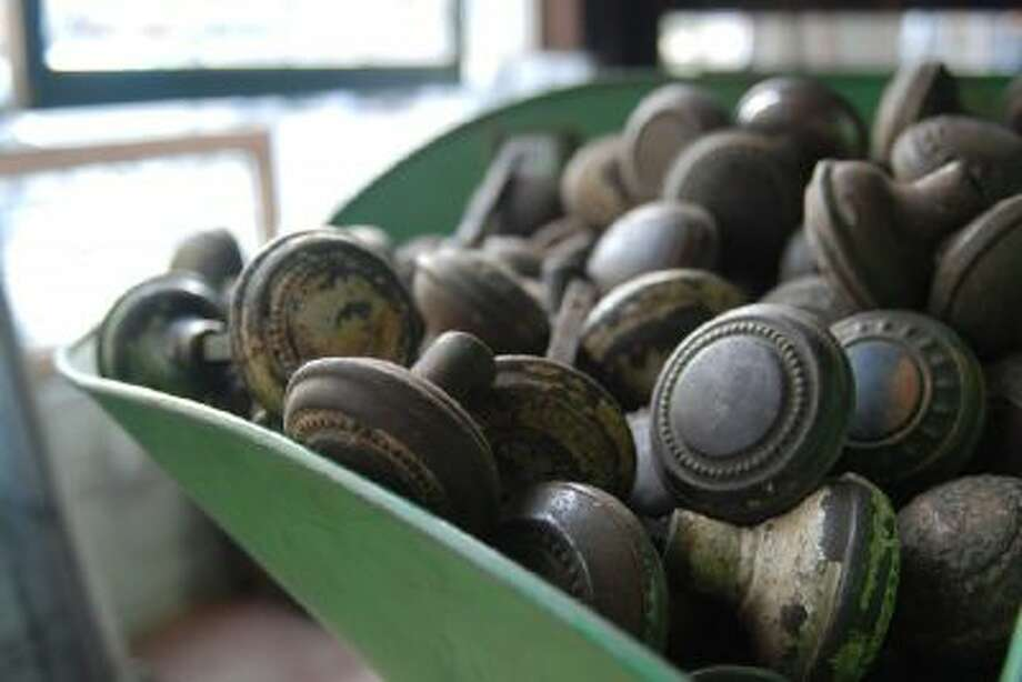 You can always retrofit a new home?s levers with vintage doorknobs.