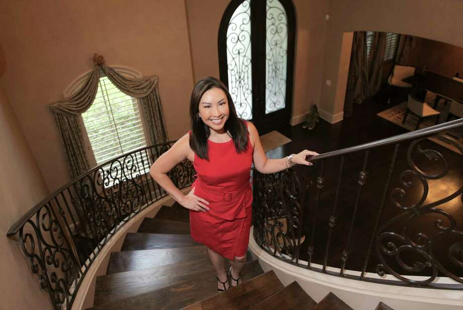 Former KHOU-TV anchor Lily Jang filed a report with Dallas' KXAS-TV about Houston-area restaurants serving free meals to first responders. Jang left Channel 11 in late 2016. Photo: Elizabeth Conley, Staff / © 2017 Houston Chronicle