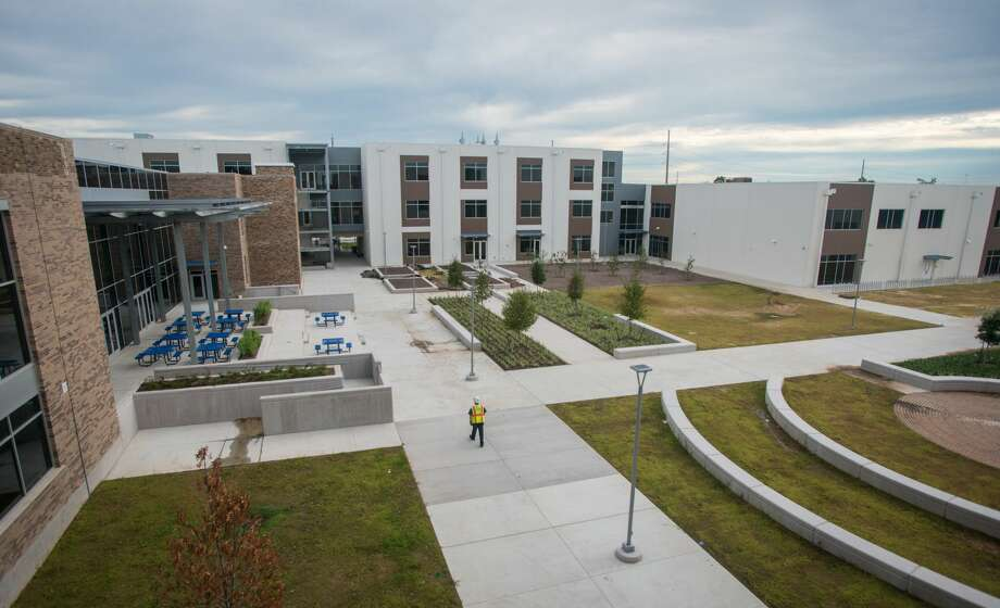 Milby High School's new courtyard shows the blending of the old building with the new addition. The LEED Silver-certified school was built in 1926. Photo: Dave Einsel/Dave Einsel/Houston ISD, Houston ISD