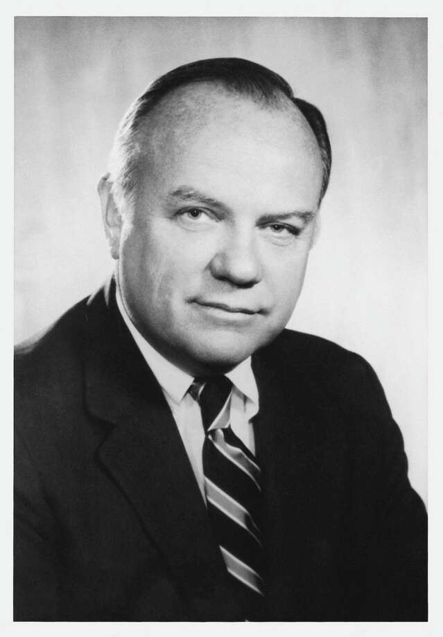 William A. Schreyer, who rose from trainee to Chairman and CEO during a 45-year career at Merrill Lynch & Co., Inc. and led the company's evolution from U.S. stockbroker to diversified global investment bank died on Saturday, Jan. 22, 2011, at his Princeton, NJ home.  He was 83.  (PRNewsFoto/Schreyer Family, Krause) Photo: PR NEWSWIRE / SCHREYER FAMILY