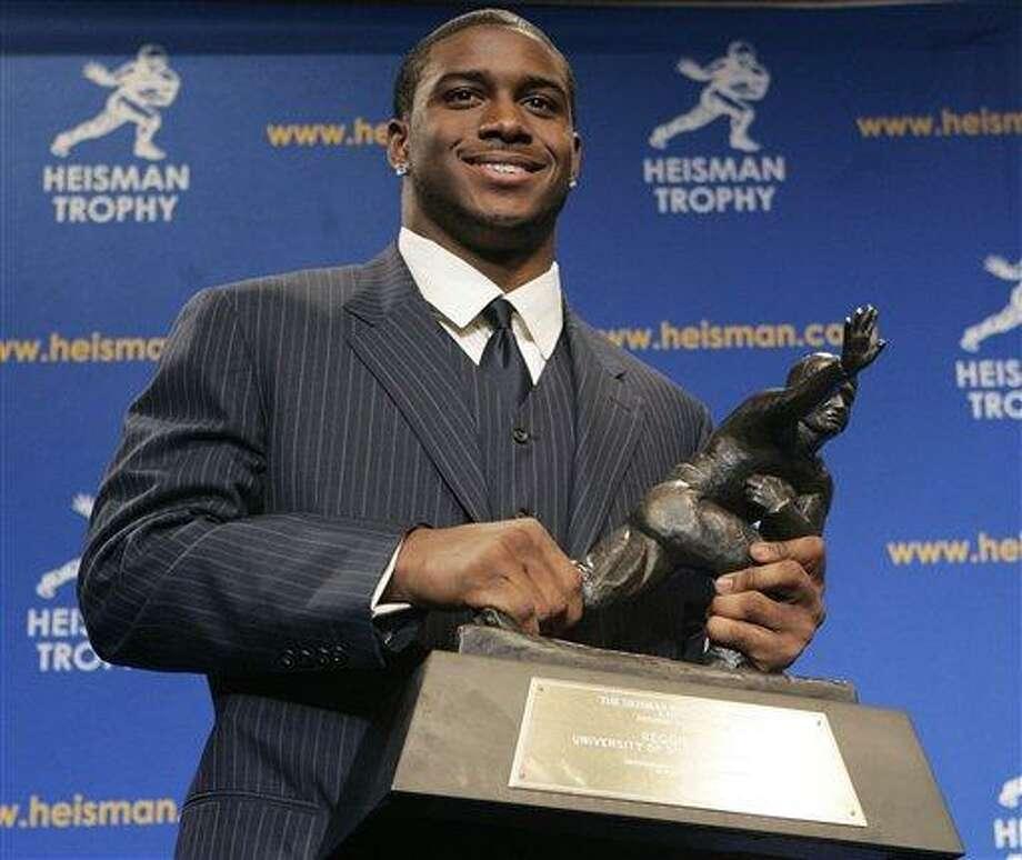 Former USC star Bush forfeits 2005 Heisman Trophy - The Middletown Press