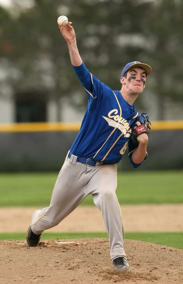 TODD KALIF/Press Correspondent Haddam-Killingworth Colin Sledzik delivers a pitch in his team's 3-1 win over Cromwell in Cromwell on Friday.