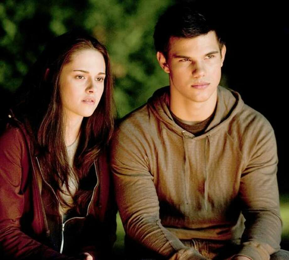 Twilight Star Taylor Lautner Settles Suit Over Rv For Set The