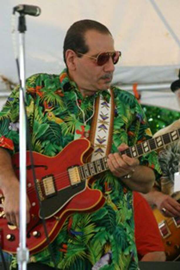 Paul Gabriel returns from Memphis to play at Lucky Lous