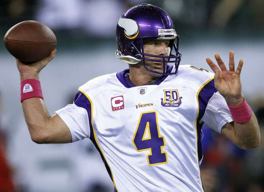 Minnesota Vikings quarterback Brett Favre warms up before an NFL football game between the Vikings and the New York Jets on Monday, Oct. 11, 2010, in East Rutherford, N.J. (AP Photo/Seth Wenig) Photo: AP / AP