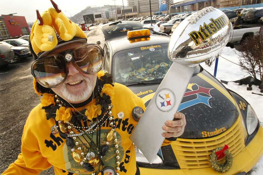 Pittsburgh Steelers fans cheer during a pep rally held at Heinz Field  Friday, Jan. 28, 2011.  The Steelers head to Dallas next week to prepare for Super Bowl XLV against the Green Bay Packers. (AP Photo/Gene J. Puskar)