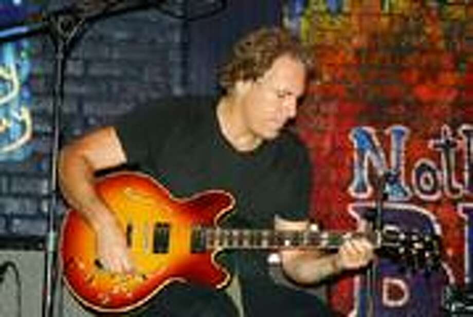 Jeff Pevar will be playing Infinity Music Hall and The Maple Tree Cafe this weekend.