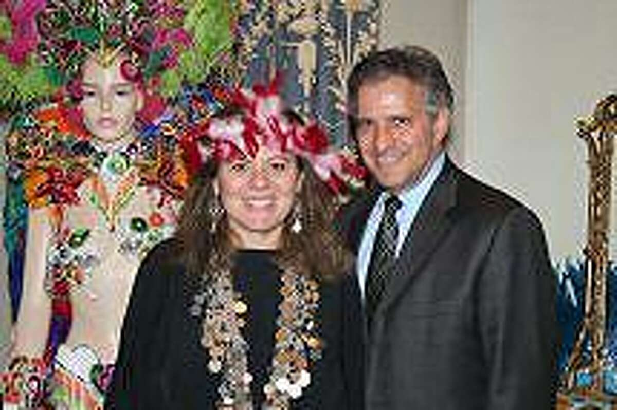 Middletown mayor Sebastian Guiliano and Artists For World Peace Executive Director Wendy Black-Nasta.