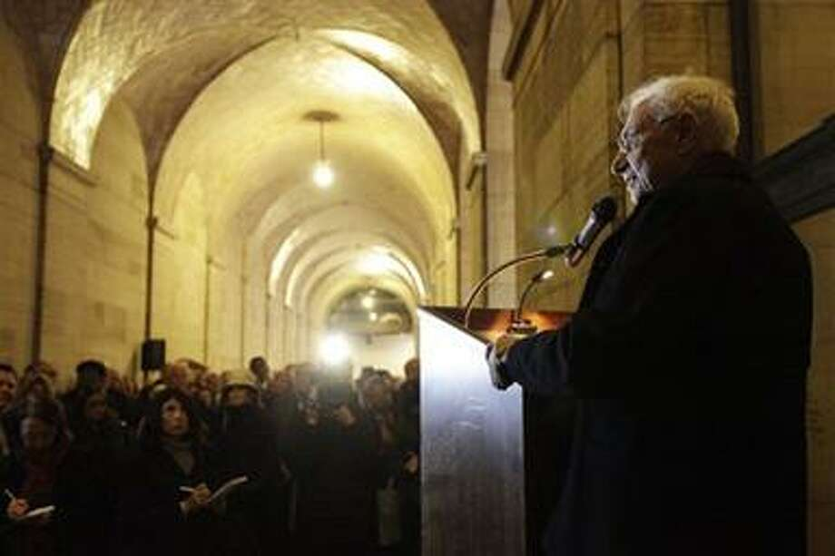 Architect Frank Gehry makes remarks in a vaulted hallway that has been closed to the public, at the Philadelphia Museum of Art in Philadelphia, Tuesday, Nov. 9, 2010.  The museum marked the start Tuesday of construction of a large underground expansion designed by Gehry. (AP Photo/Matt Rourke) Photo: AP / AP