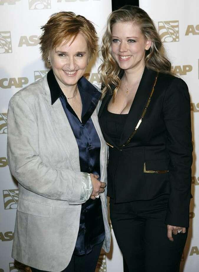 Melissa Etheridge and Tammy Lynn Michaels Photo: AP / AP2007