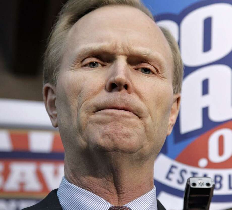 New York Giants owner John Mara speaks with reporters as negotiations between the NFL owners and players go unresolved, at the Federal Mediation and Conciliation Service in Washington, Friday, March 11, 2011.  (AP Photo/J. Scott Applewhite) / 2011 The Associated Press