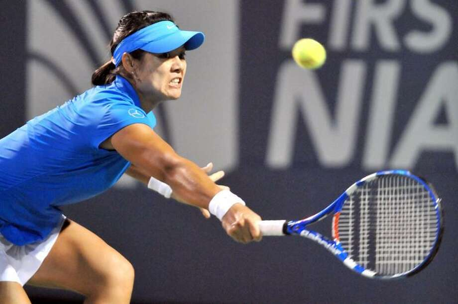 Li Na defeated Maria Kirilenko in the second round Wednesday night at the New Haven Open. (Arnold Gold/Register)