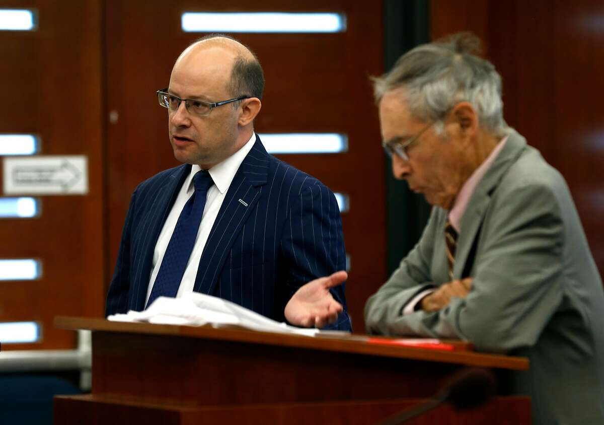 Attorneys Michael von Loewenfeldt (left) for the Commission on Judicial Performance and Myron Moskovitz for the state auditor appear in court in San Francisco on Aug. 17, 2017.