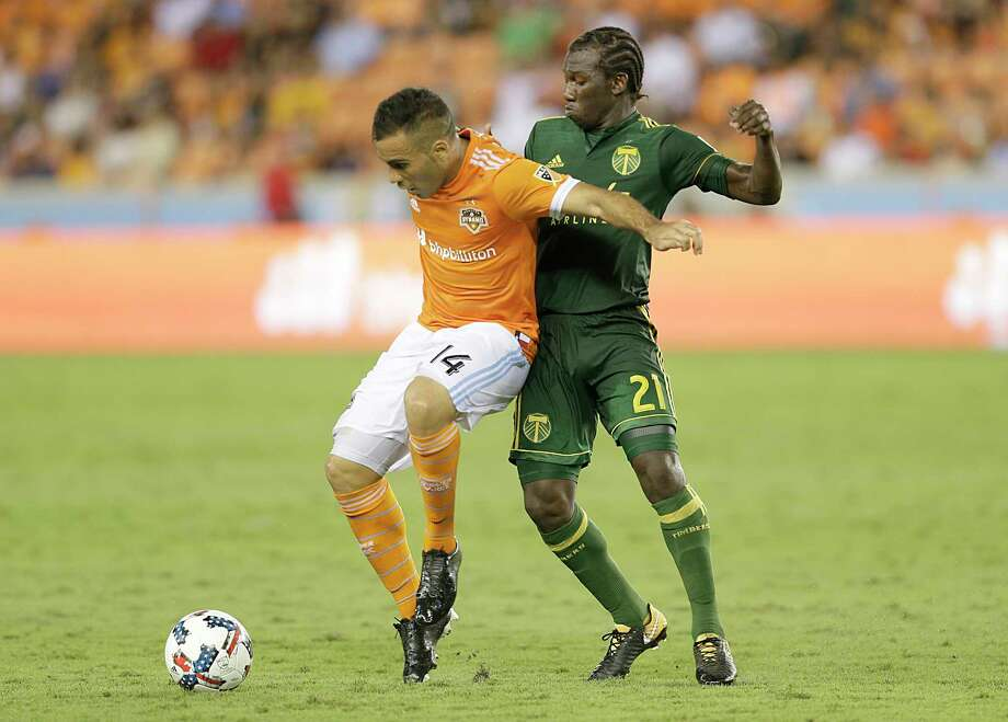 Alex, left, will return to a Dynamo team that has improved its depth in the midfield with the addition of Tomás Martinez. Photo: Thomas B. Shea / © 2017 Thomas B. Shea