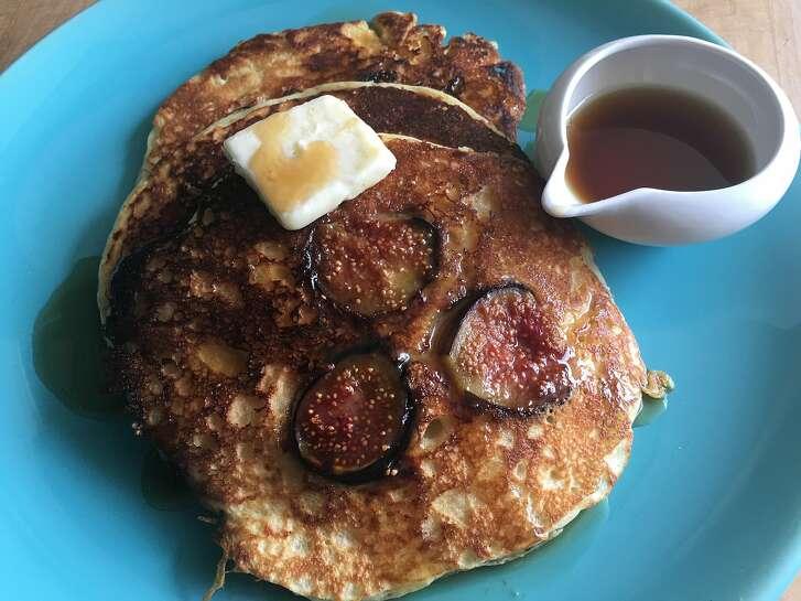 Caramelized fig pancakes
