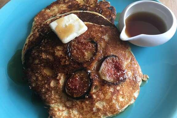Caramelized fig pancakes