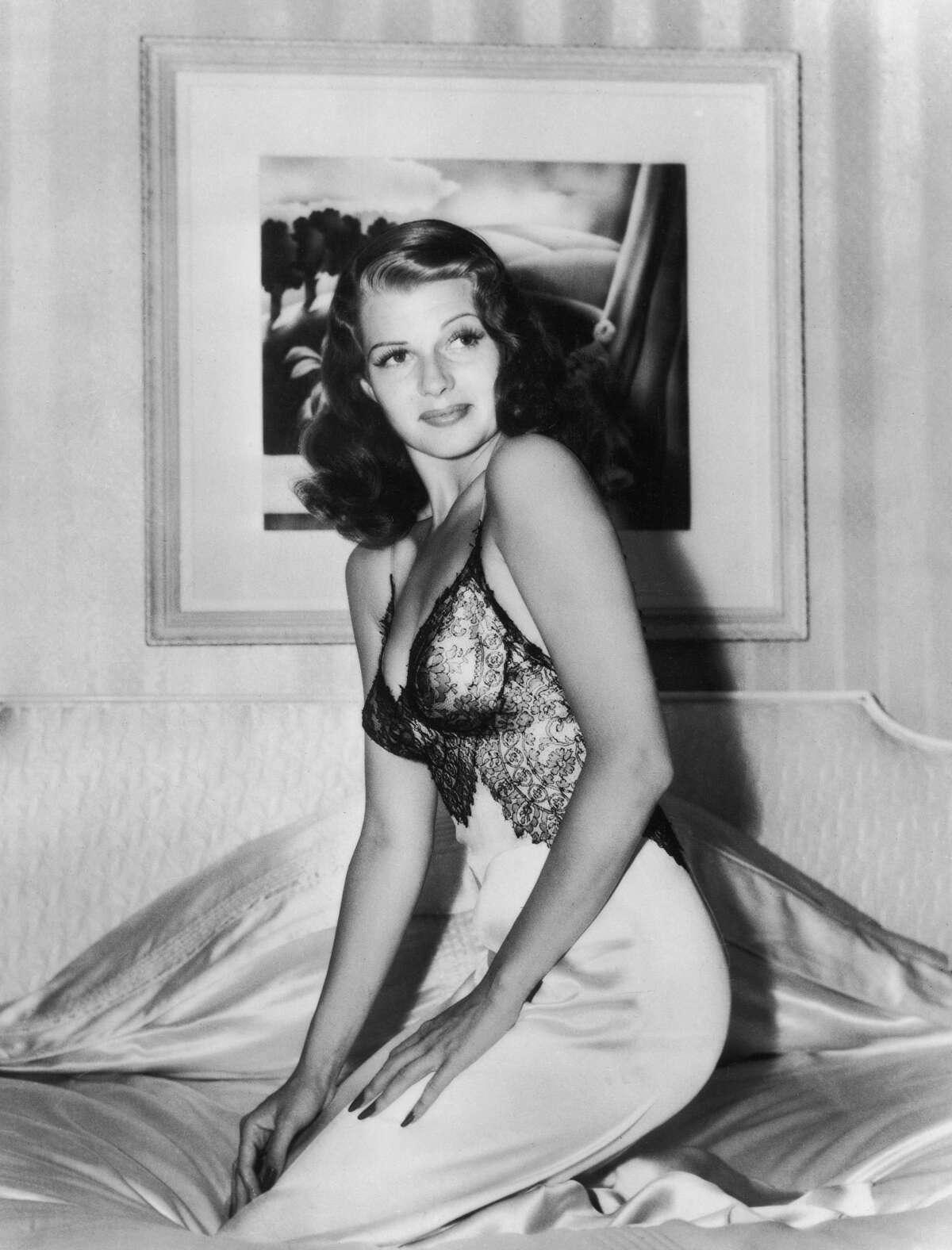 1942:Rita Hayworth