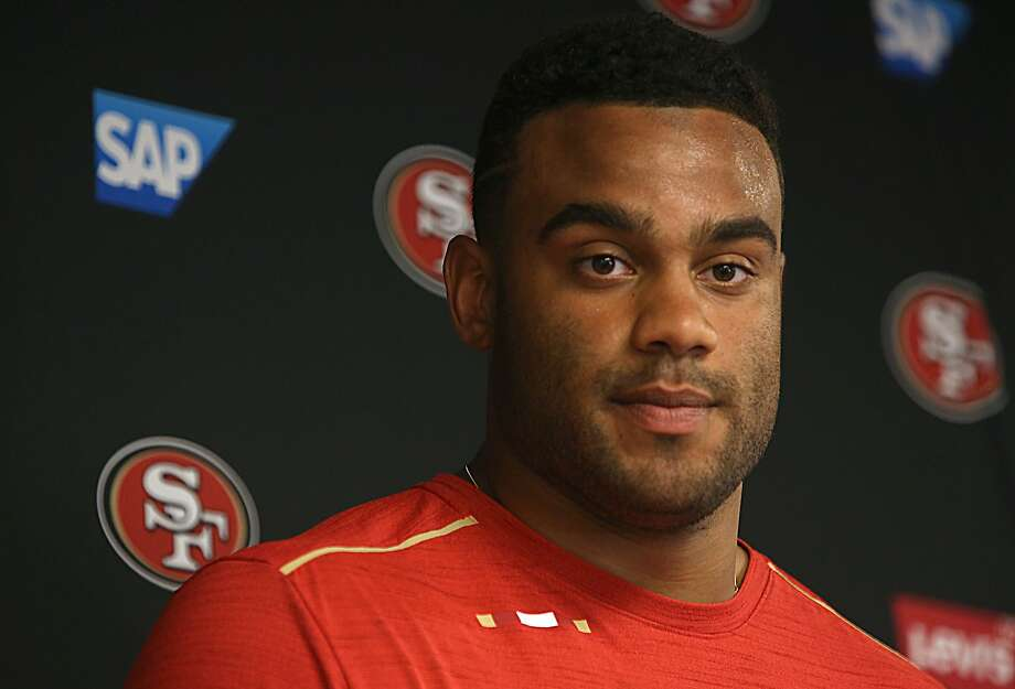 Solomon Thomas officially signed his 49ers contract this morning at Levi stadium on Thursday, July 27, 2017, in Santa Clara, Calif. Photo: Liz Hafalia, The Chronicle