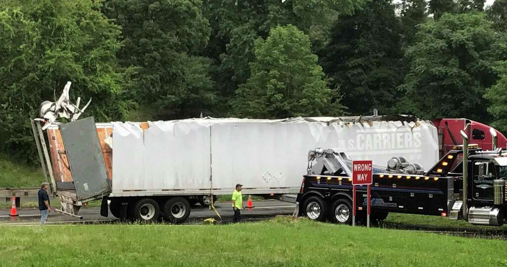 Trailer hits overpass near Greenwich, causes delays - NewsTimes