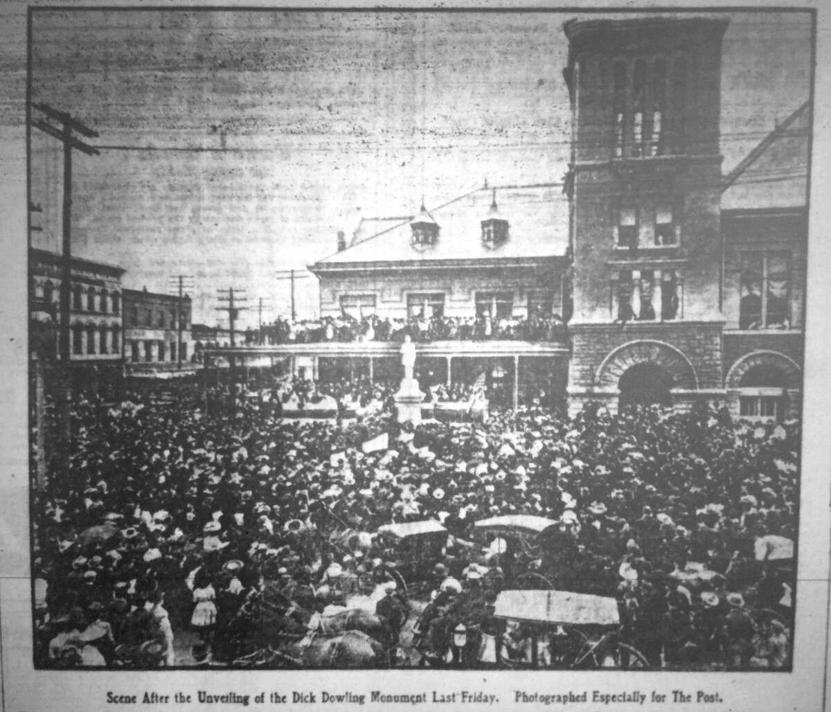 Unveiling of Dick Dowling statue at Market Square outside City Hall, March 17, 1905.
