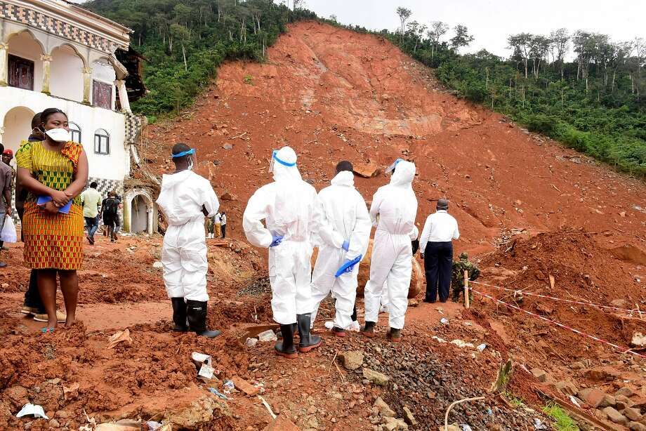 Graves Been Dug For The Dead Victims Of The Sierra Leone Mudslide