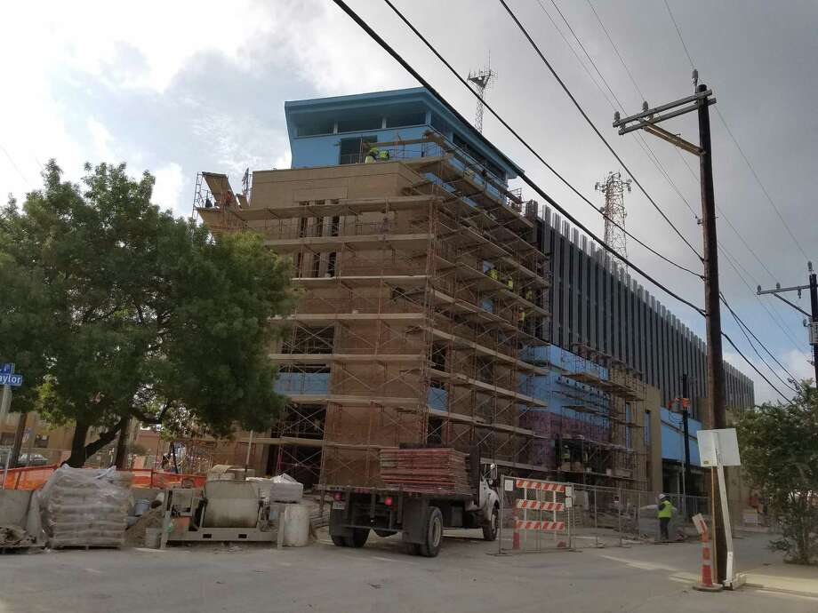 Tobin center parking garage nearing end of construction san a 17 million parking garage next to the tobin center for the performing arts is expected solutioingenieria Image collections
