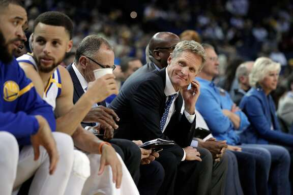 Head coach Steve Kerr looks down the bench at his players as the Golden State Warriors played the Minnesota Timberwolves at Oracle Arena in Oakland, Calif., on Tuesday, April 4, 2017.