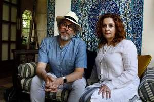 Israeli-American novelist Ayelet Waldman (R) and her spouse American novelist Michael Chabon pose for a picture in Jerusalem on June 18, 2017. / AFP PHOTO / MENAHEM KAHANA        (Photo credit should read MENAHEM KAHANA/AFP/Getty Images)