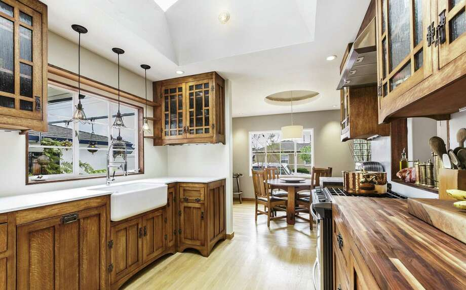 Jordan shot this kitchen in Richmond for a man who completed the woodwork and metalwork himself. The seller was overcome with emotion when he saw the images, and thanked Jordan for the effort he took to capture the space. / © 2015 Robert Jordan, Rob J Photos. All rights reserved.