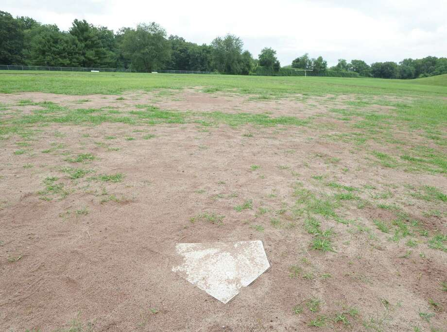 The field behind Western Middle School on Sept. 1, 2016. Photo: Bob Luckey Jr. / Hearst Connecticut Media File Photo / Greenwich Time