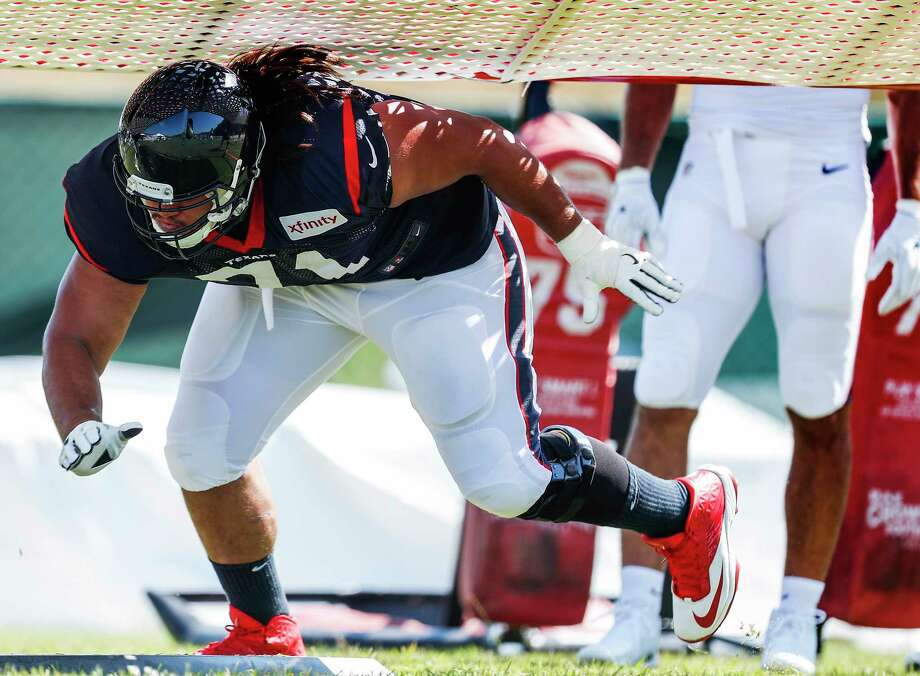 Texans guard Xavier Su'a-Filo is expected to play Sunday despite suffering a groin injury last weekend. Photo: Brett Coomer, Staff / © 2017 Houston Chronicle}