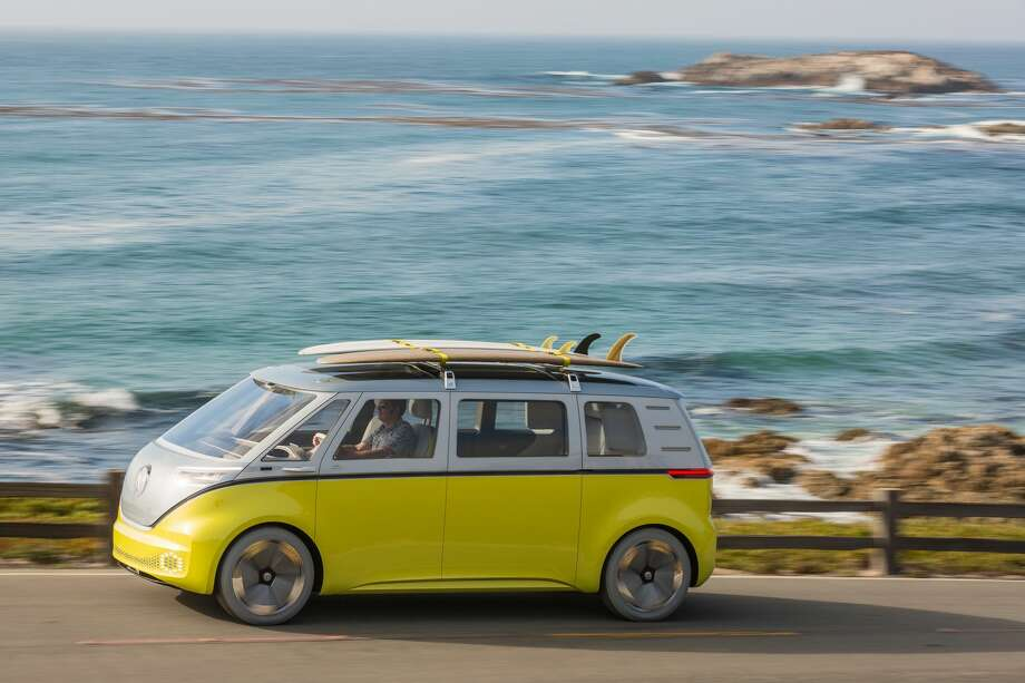 Volkswagen has announced that the fully-electric microbus debuted at a Detroit auto show in early 2017 is officially going in to production. Photo: Ingo Barenschee