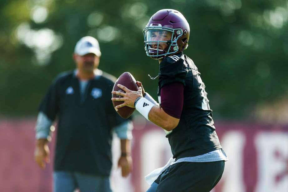 Texas A&M at least knows what veteran quarterback Jake Hubenak has to offer if he is anointed the starting quarterback against UCLA on Sept. 3. Photo: Michael Ciaglo, Staff / Michael Ciaglo