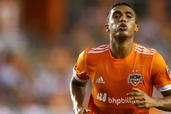 Houston Dynamo forward Mauro Manotas (19) celebrates his goal against Real Salt Lake at BBVA Compass Stadium Wednesday, May 31, 2017, in Houston. ( Godofredo A. Vasquez / Houston Chronicle )