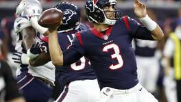 Houston Texans quarterback Tom Savage (3) throws a 37-yard pass to wide receiver Bruce Ellington during the first quarter of an NFL pre-season football game against the New England Patriots at NRG Stadium on Saturday, Aug. 19, 2017, in Houston. ( Brett Coomer / Houston Chronicle )