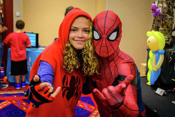 "Terrificon, Connecticut's ""Terrific Comic Con,"" was held at Mohegan Sun on   August 18-20, 2017  .  Comic book and super hero fans interacted with TV and movie stars,  listened to panels, dressed up in costumes took photos. Were you SEEN?"