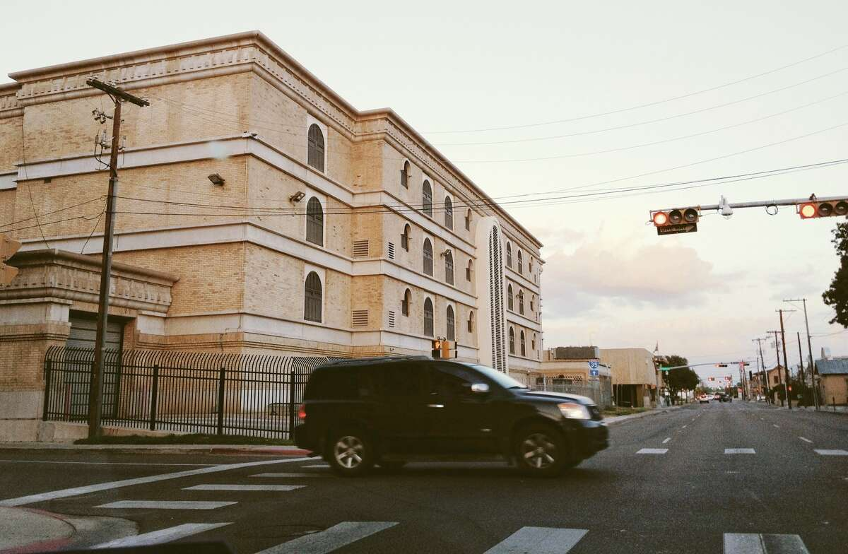 A view of the south side of Webb County Jail seen from the corner of Victoria St and Flores Ave, Sunday afternoon.