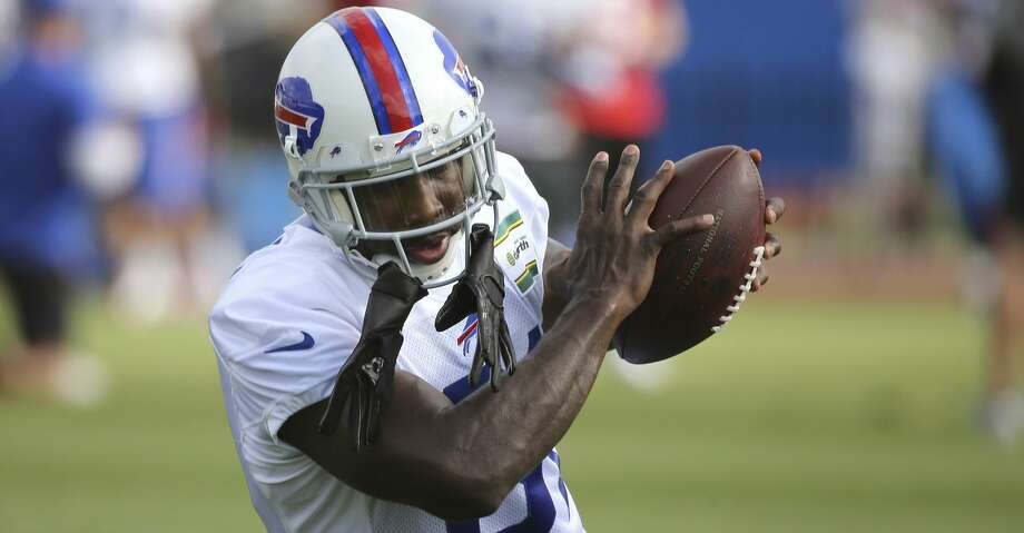 FILE- In this Aug. 8, 2017, file photo, newly acquired Buffalo Bills receiver Anquan Boldin makes a catch during passing drills at NFL football training camp in Pittsford, N.Y. Boldin abruptly announced his retirement just under two weeks after signing with the Buffalo Bills. General manager Brandon Beane made it official Sunday, Aug. 20, by saying the team respects Boldin's decision to retire. (Jaime Germano/Democrat & Chronicle via AP, File) Photo: Jamie Germano/Associated Press