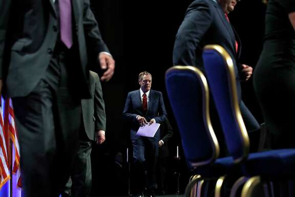 U.S. Trade Representative Robert Lighthizer, center, arrives for a news conference, Wednesday, Aug. 16, 2017, at the start of NAFTA renegotiations in Washington. (AP Photo/Jacquelyn Martin)