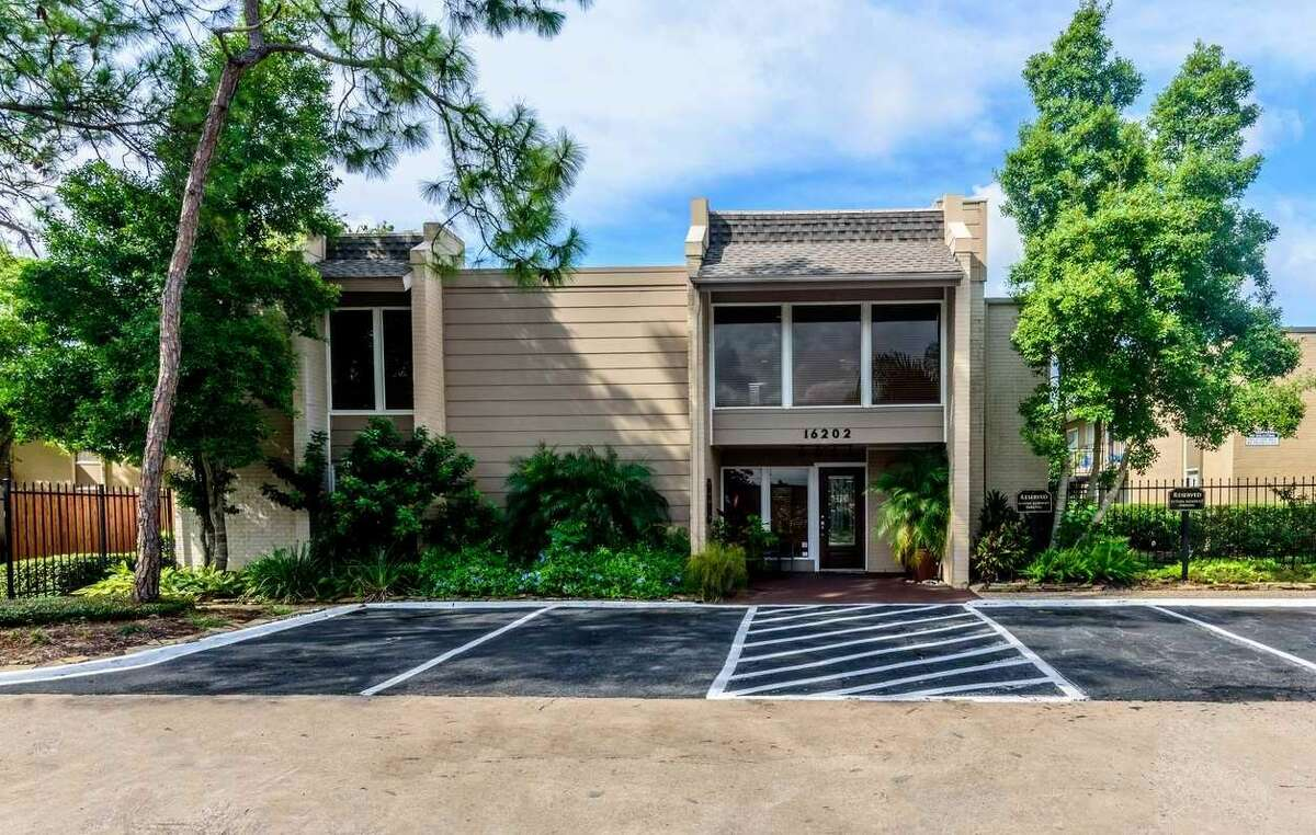 ClearWorth Capital has acquired The Hamptons, a 346-unit apartment complex in the Clear Lake area. Built from 1974 to 1976, the property at16202 El Camino Real contains a mix ofone, two, and three-bedroom floor plans, with an average unit size of 947 square feet.
