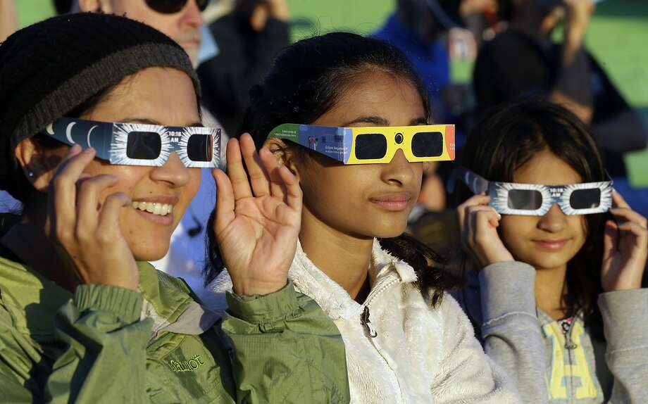 Watch the eclipse here without special glasses