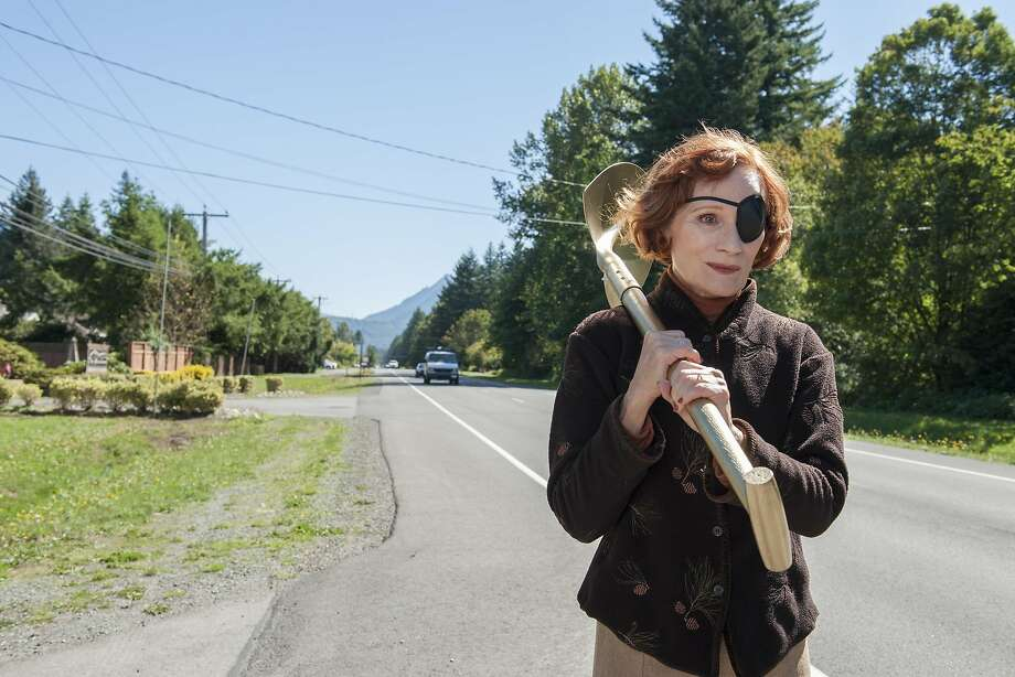 """Wendy Robie is on a mission in Part 15 of David Lynch's and Mark Frost's """"Twin Peaks, The Return: Part 15."""" Photo: Suzanne Tenner/SHOWTIME"""