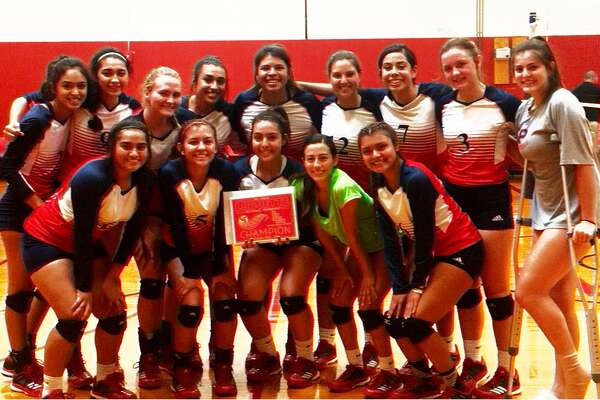 The Plainview volleyball team won the Silver Bracket championship at the Levelland Tournament Saturday. The Lady Bulldogs came from behind to defeat Friona in three games in the title match.