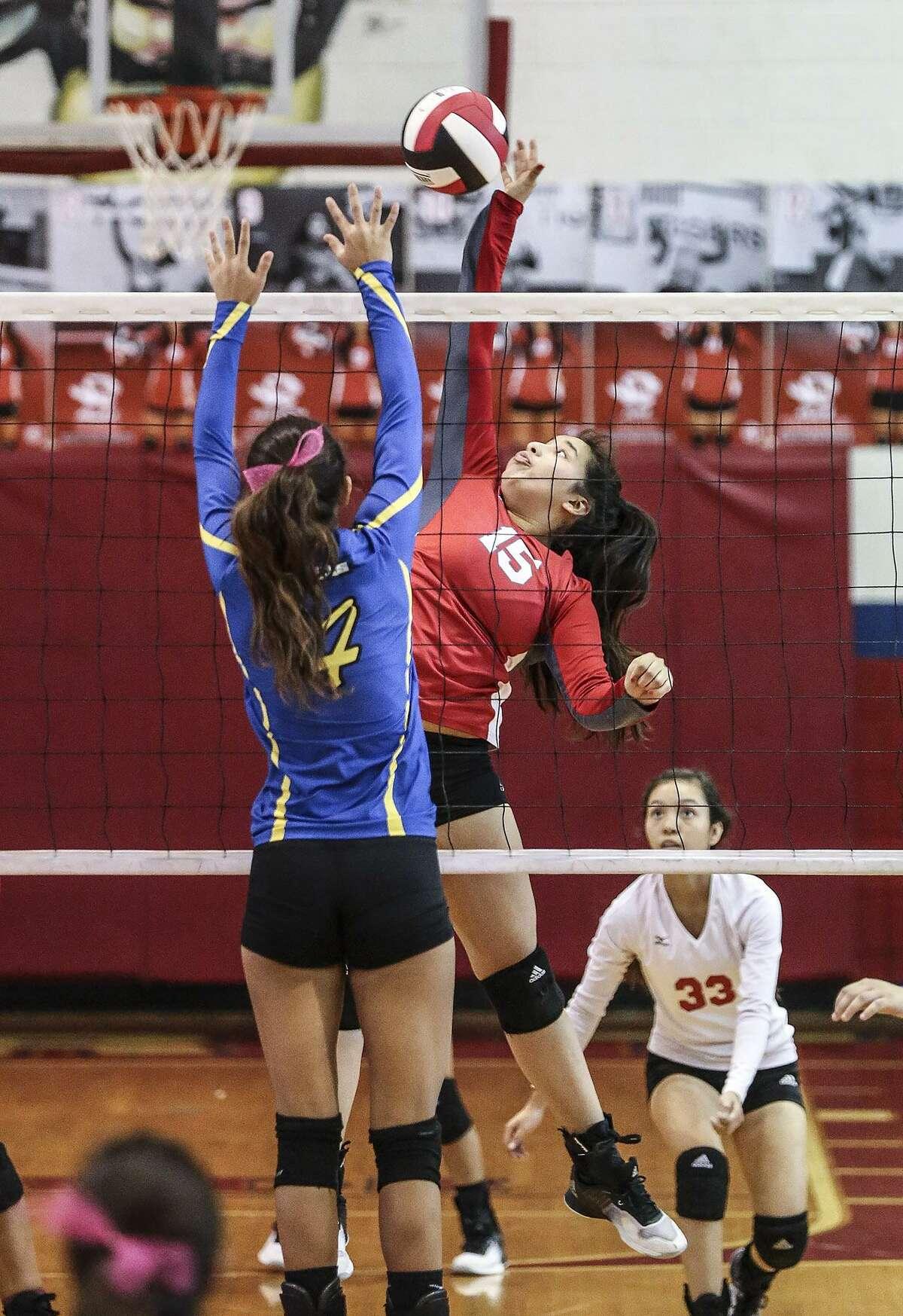 District 29-5A: Volleyball Laredo Martin, Laredo Cigarroa, Gregory-Portland, CC Tuloso-Midway, CC Flour Bluff, CC Calallen, Alice