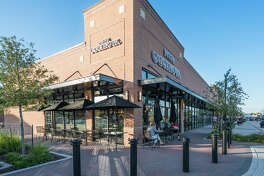 Pizza Cucinova made its debut the Houston market in early August at Lakeland Village Center at Bridgeland.