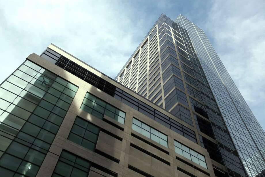 Porter Hedges has firmed up its commitment to downtown with a 105,026-square-foot lease renewal at 1000 Main. CBRE represented the law firm.  Photo: Mayra Beltran, Houston Chronicle / © 2013 Houston Chronicle