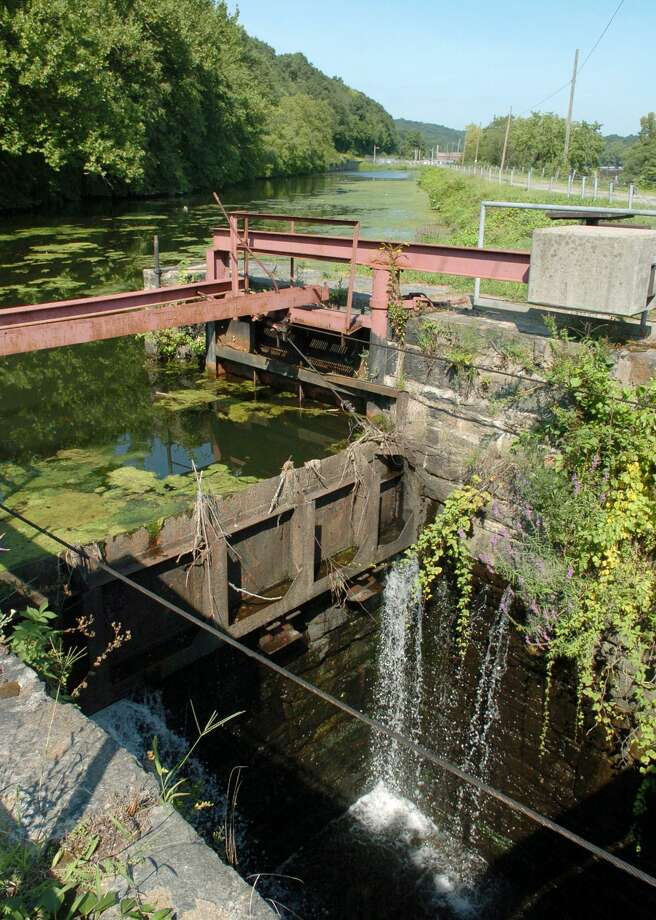 The Canal Street locks in Shelton. A new brownfields assessment grant will allow for the investigation of contamination in properties along Canal Street leading up to the area that includes the locks. Photo: File Photo / Connecticut Post File Photo